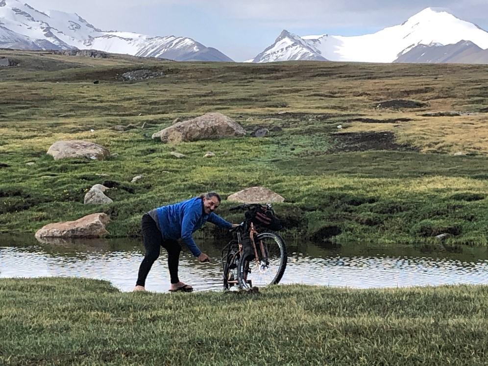 Washing bikes